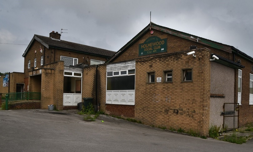 Councillors reluctantly approve plans to replace social club…